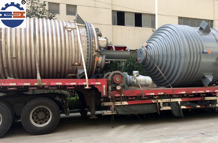不锈钢反应釜运输