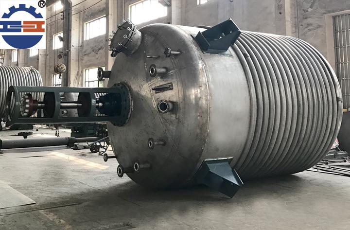 非标不锈钢反应釜