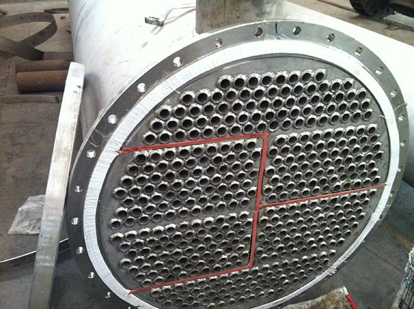 列管冷凝器的换热管排列